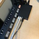 AnkerのUSB急速充電器(60W/6ポート/A2123511)を使ったら机がかなりスッキリした