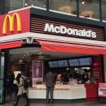 冬に冷房を効かせるマクドナルドと100円マックでねばる客との闘いが話題に