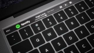 2018年のMacBookにはe-inkキーボード搭載!?キーボードのカスタマイズが可能に