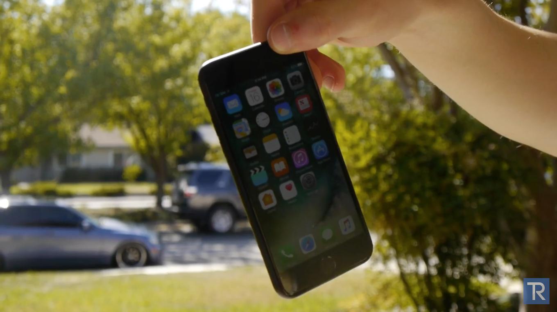 iPhone7/7 Plusの落下・防水・引っかきテストの動画が公開!どれくらい耐えられる?