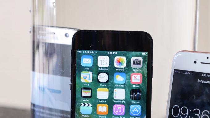 iphone7-waterproof_test-everythingapplepro1